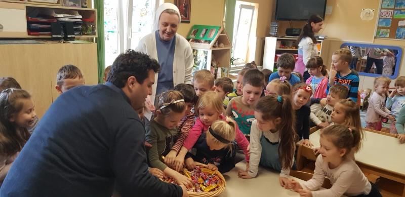 Gradonačelnik Mario Rajn čestitao Uskrs najmlađima