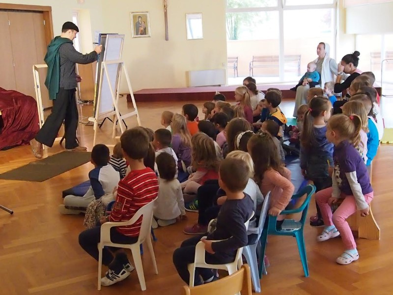 """Održana predstava za djecu """"SLIKAR I PATULJKO"""""""